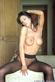 Linda Oneil In Black Pantyhose-15
