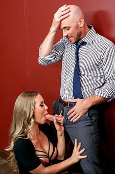 Nicole Aniston Sucking During Meeting