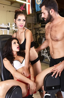 Yuri Luv Hrdcore Threesome In The Gym