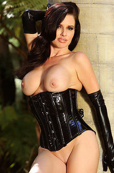 Veronica Avluv Is One Of The Hottest Milfs