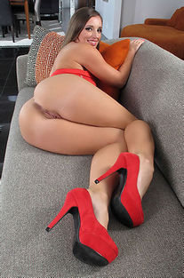 Jamie Jackson In Sexy Red High Heels
