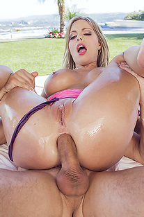 Anal Fuck In The Pool